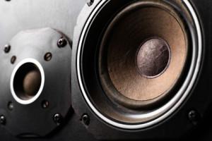 Was tun, wenn die Lautsprecher rauschen?